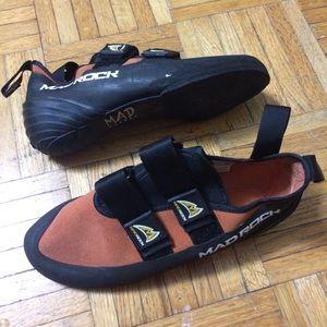 Mad rock sz 7 rock climbing shoes orange